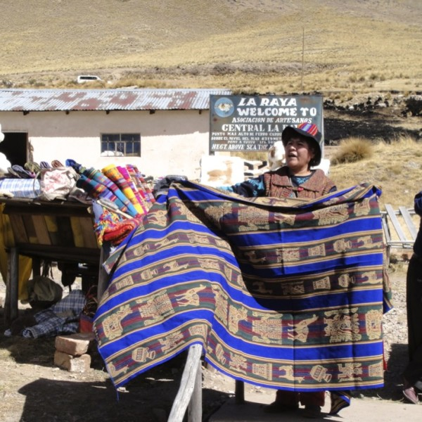 Cloth weaver.  La Raya, Peru